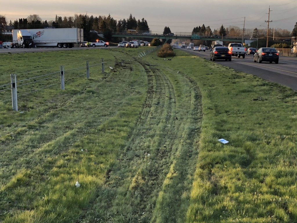 Accident-scene-Semi-truck-crash-on-I5-Oregon-OSP